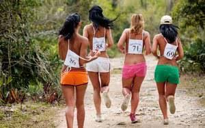 Horny runners pause on the beach for a refreshing ass sport orgy break